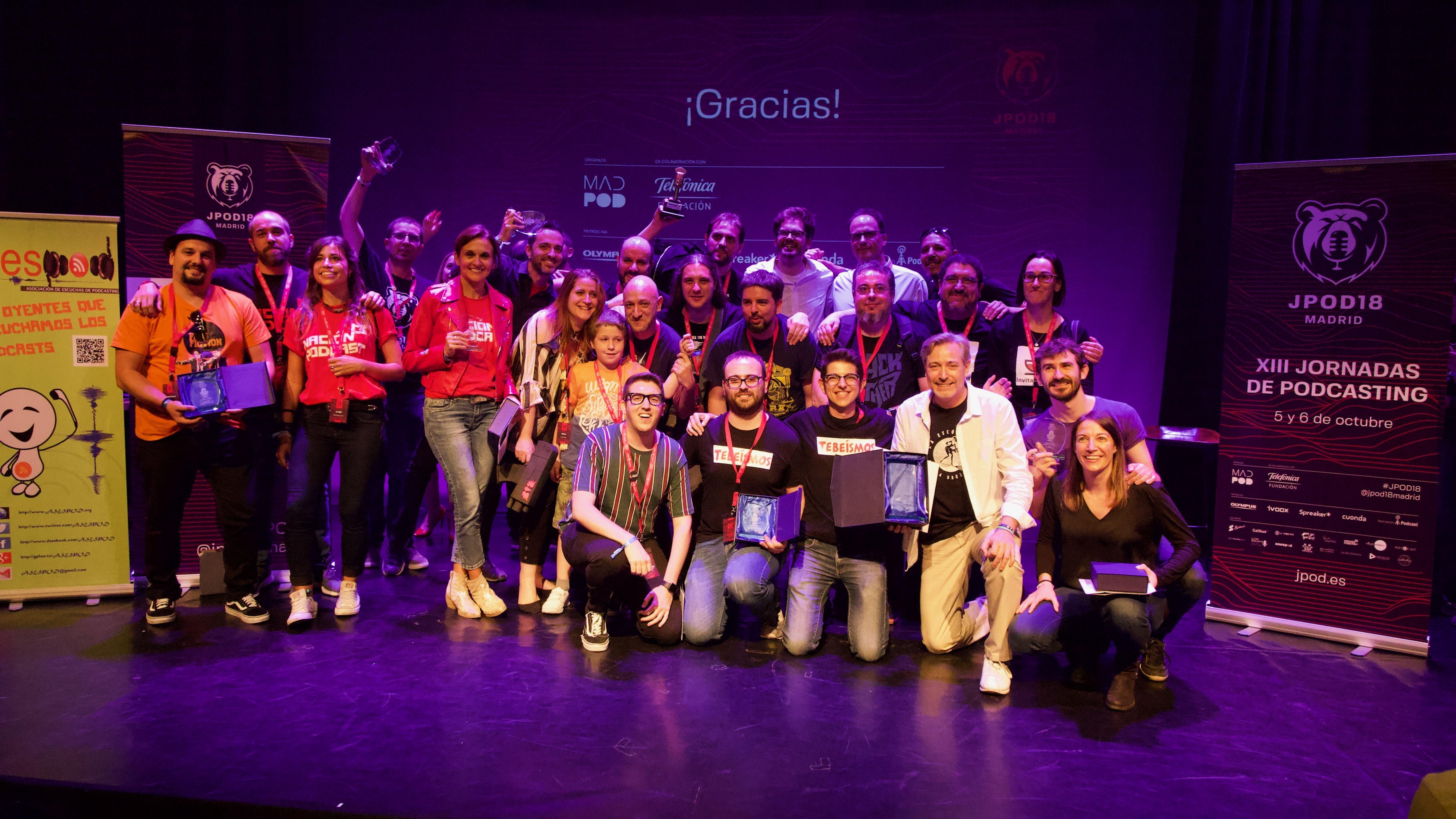 Foto de familia de todos los ganadores de la gala.