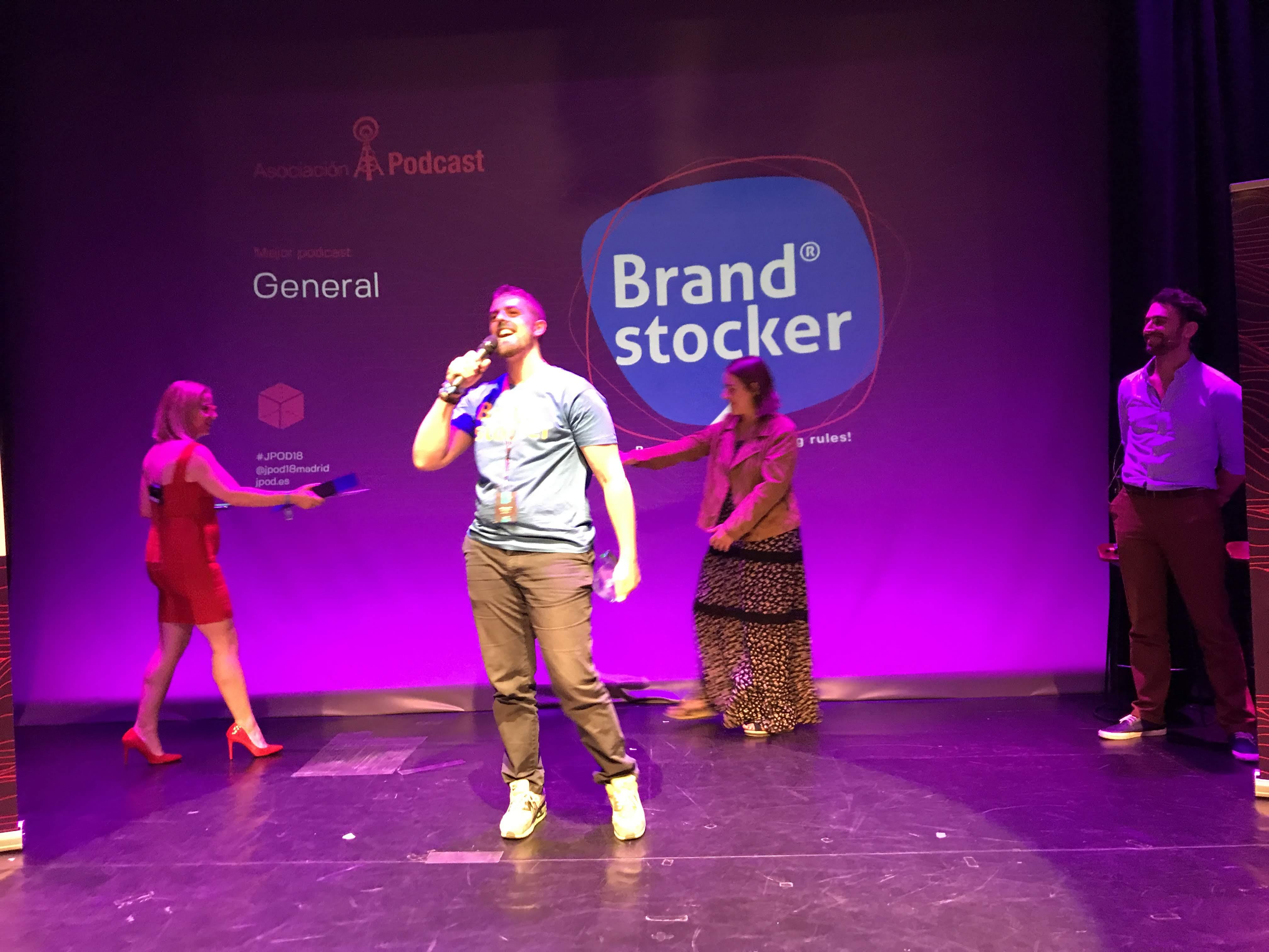 Foto: Alfonso Buenavista - Brand stocker, ganador del premio al Mejor Podcast General 2018 en la IX Edición de los premios de la Asociación Podcast.