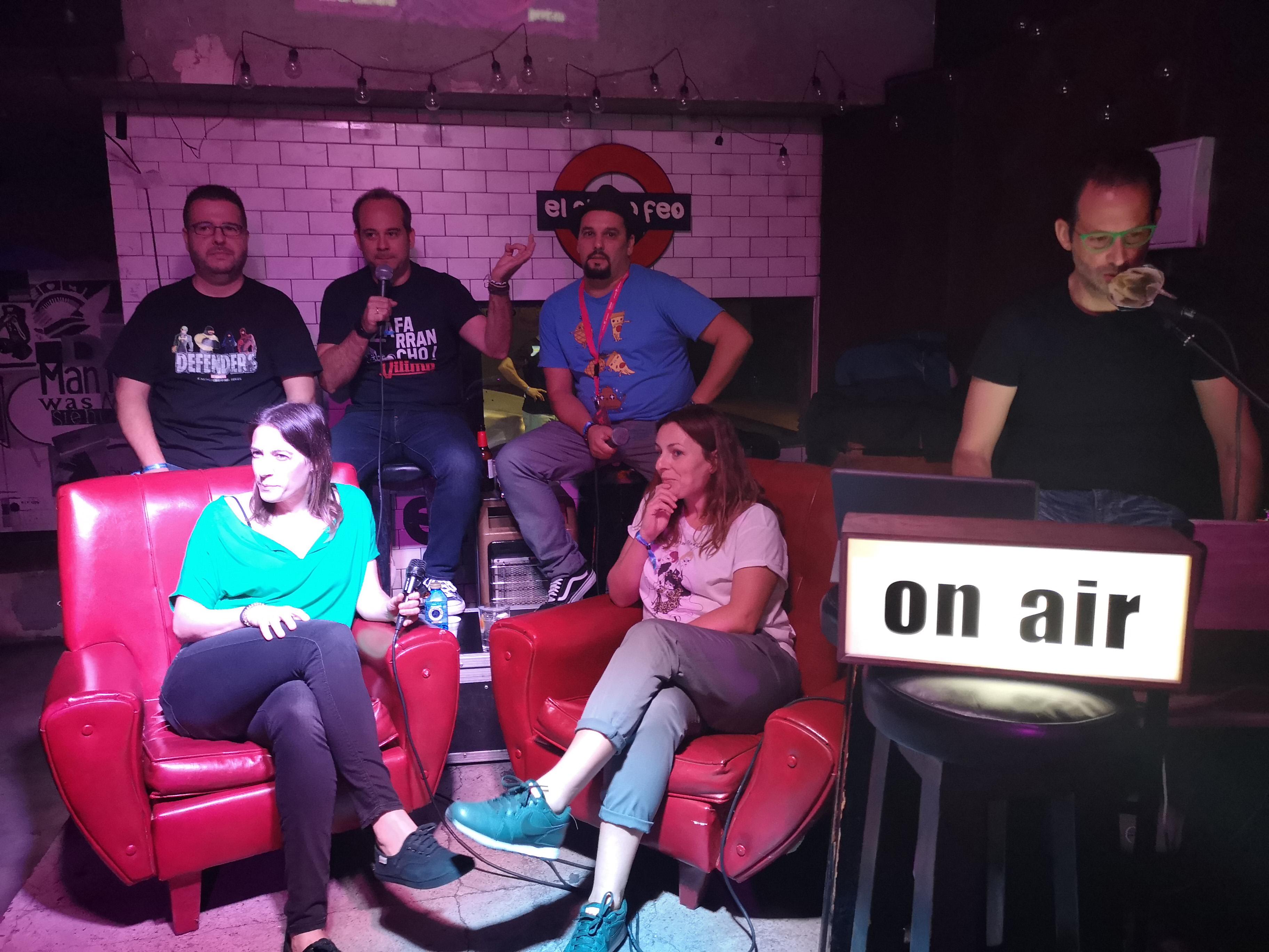 Wichito, Álvaro Martín, Richie Fintano, Pepa, Quiles y Óliver Oliva en directo en El chico feo. Segunda de las Podnights Madrid especial JPOD18.