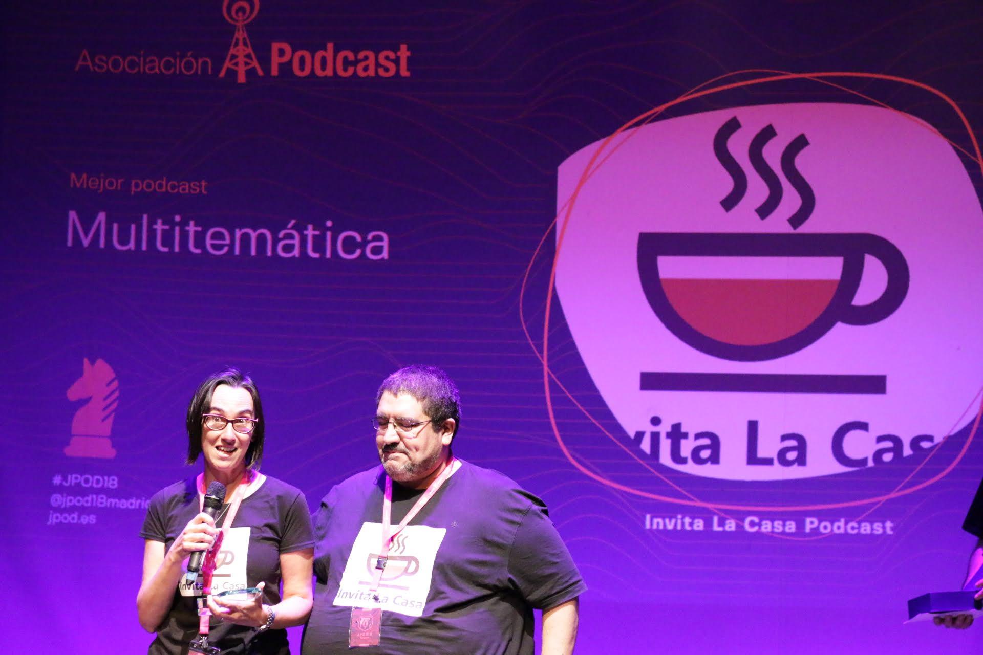 Foto: Patricia Torres - Invita la casa, ganadores del premio al Mejor Podcast Multitemática 2018 en la IX Edición de los premios de la Asociación Podcast.